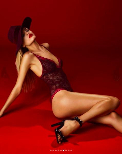 Daphne Groeneveld quyến rũ và nóng bỏng 'rực lửa' với nội y ảnh 6