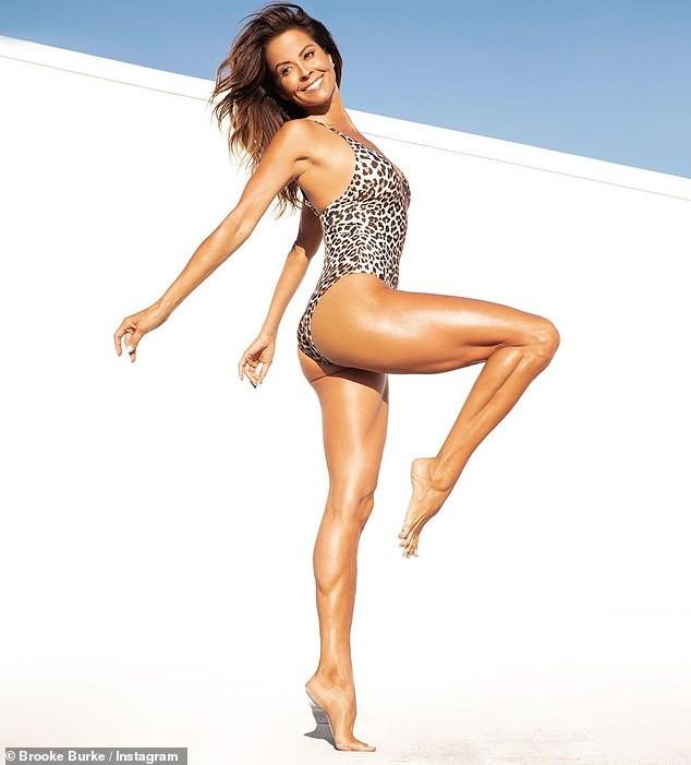 Cựu người mẫu Playboy Brooke Burke khoe hình thể săn chắc nóng bỏng khó tin tuổi 49 ảnh 5
