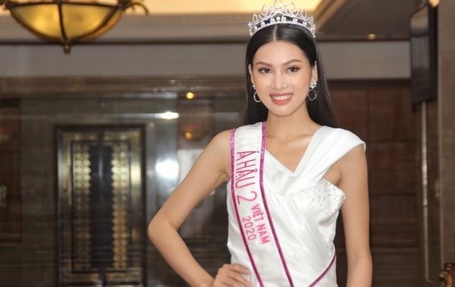 Đỗ Thị Hà kể về hình ảnh đầu tiên hiện lên khi được xướng tên ngôi vị Hoa hậu ảnh 2