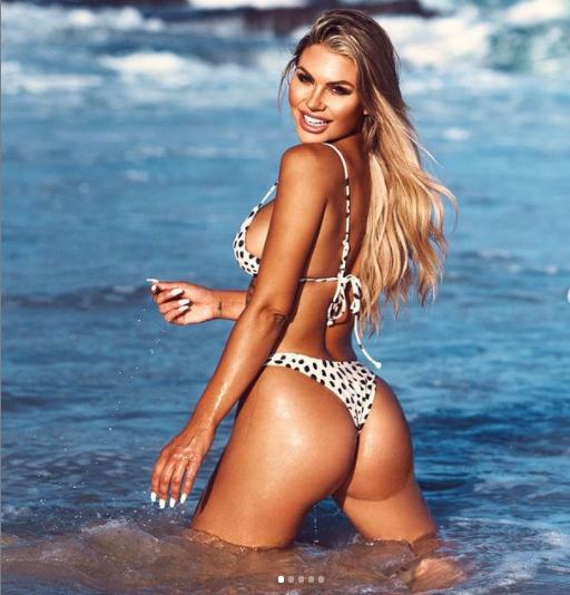 Sao truyền hình Úc Kiki Morris chụp bán nude siêu nóng bỏng ở bãi biển ảnh 7