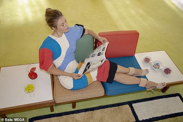 'Búp bê Nga' Maria Sharapova khoe sắc vóc tươi trẻ đầy cuốn hút với bikini ảnh 3