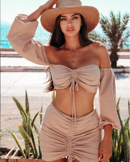 Priscilla Huggins Ortiz ngọt ngào và nóng bỏng gây 'chao đảo' ảnh 10