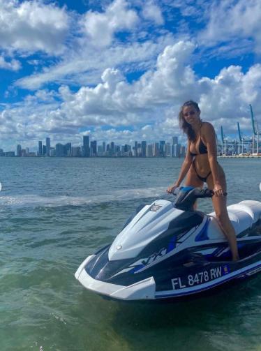 Priscilla Huggins Ortiz ngọt ngào và nóng bỏng gây 'chao đảo' ảnh 13