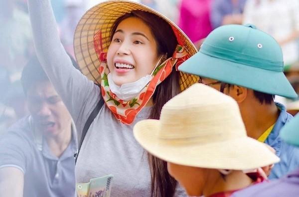 Showbiz 19/12: Cát Phượng viết tâm thư xin lỗi NSND Việt Anh liên quan vụ gặp gymer ảnh 6