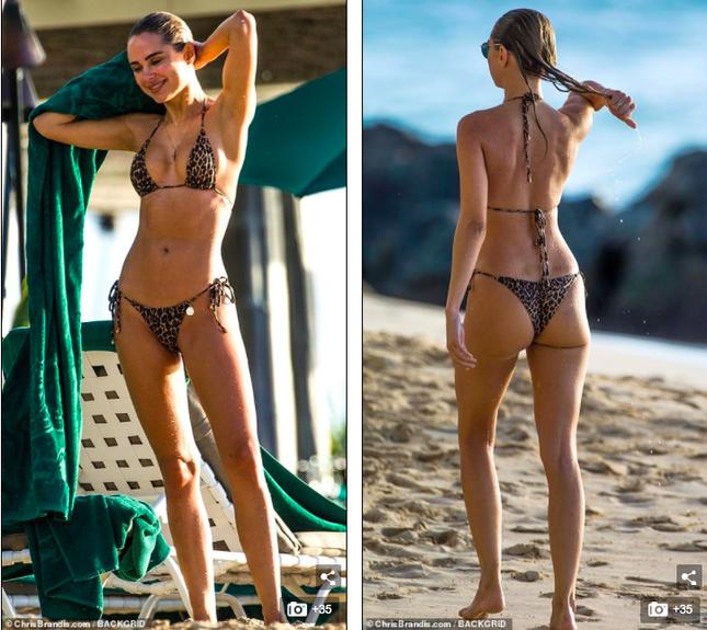Mẫu 9x Anh quốc mặc bikini bé xíu, tôn đường cong tuyệt mỹ ở biển ảnh 2