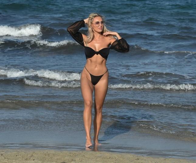 Sao truyền hình 9x Amber Turner quá sexy và lôi cuốn với bikini ảnh 4