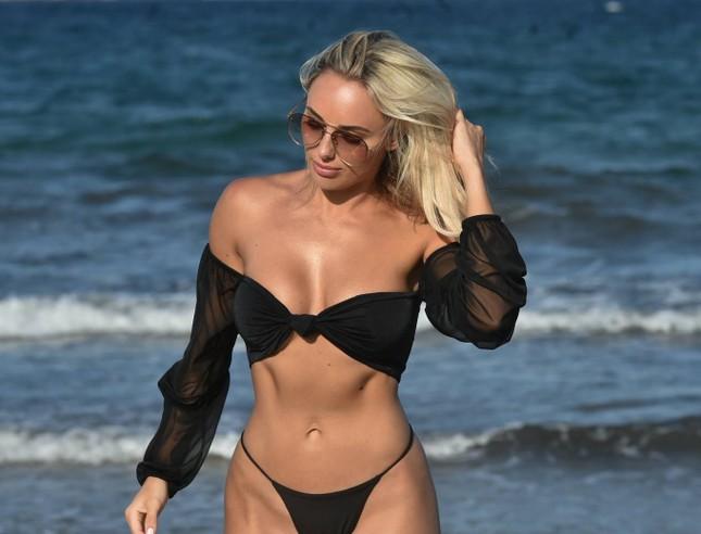 Sao truyền hình 9x Amber Turner quá sexy và lôi cuốn với bikini ảnh 1