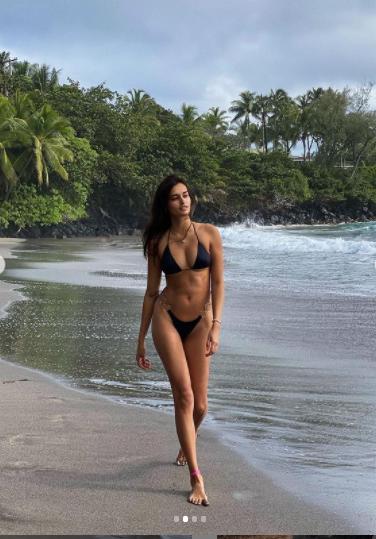 Mẫu 9x Gizele Oliveira tung ảnh bikini bé xíu khoe đường cong body tuyệt mỹ ảnh 2