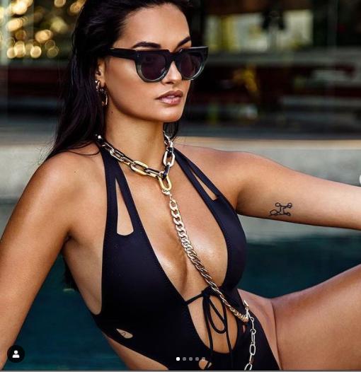 Mẫu 9x Gizele Oliveira tung ảnh bikini bé xíu khoe đường cong body tuyệt mỹ ảnh 7