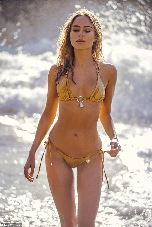 Mỹ nhân áo tắm Kimberley Garner nóng bỏng gây mê với bikini bé tí ảnh 2