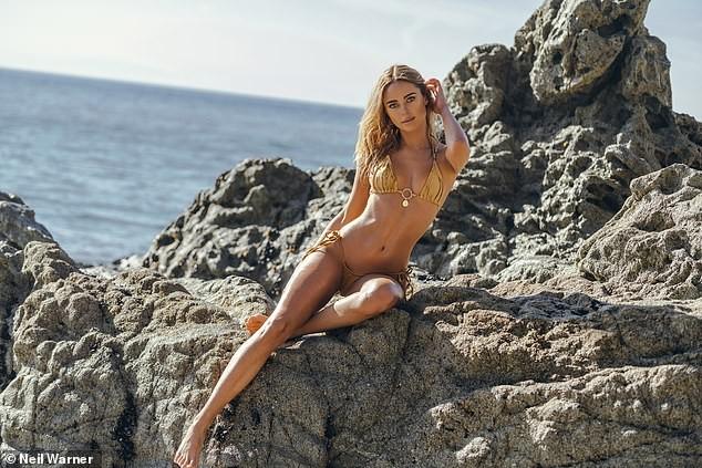 Mỹ nhân áo tắm Kimberley Garner nóng bỏng gây mê với bikini bé tí ảnh 4