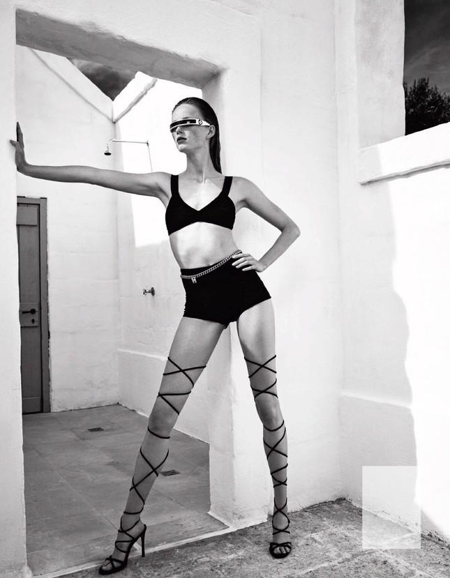 Sắc vóc của nàng mẫu trong clip quảng cáo của Louis Vuitton quay ở Việt Nam ảnh 1
