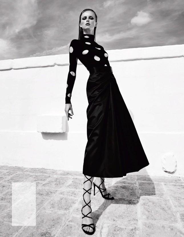 Sắc vóc của nàng mẫu trong clip quảng cáo của Louis Vuitton quay ở Việt Nam ảnh 2