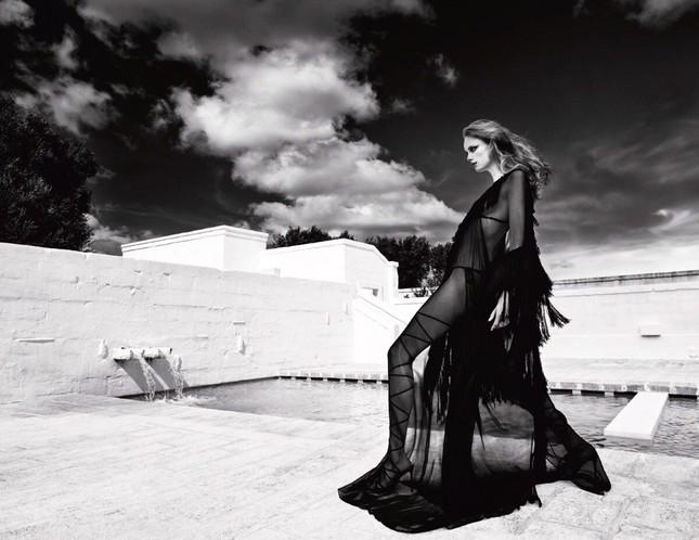 Sắc vóc của nàng mẫu trong clip quảng cáo của Louis Vuitton quay ở Việt Nam ảnh 4