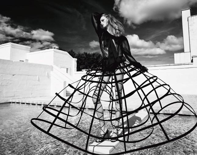 Sắc vóc của nàng mẫu trong clip quảng cáo của Louis Vuitton quay ở Việt Nam ảnh 6