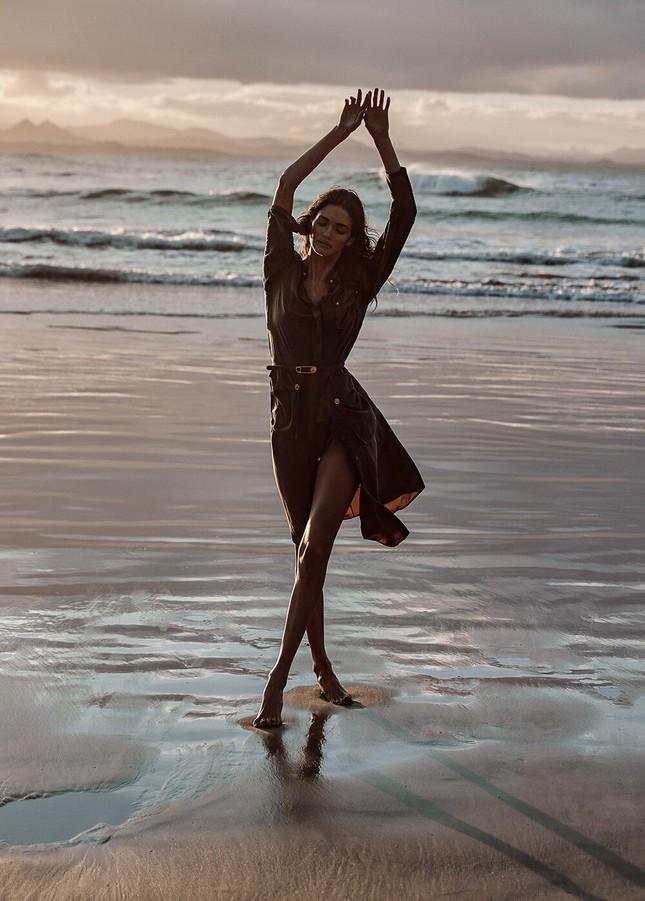 Sofia Reynal 'thả rông' táo bạo trên tạp chí ảnh 5