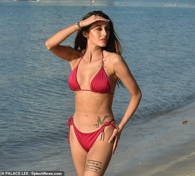 Cô gái quyến rũ nhất show 'Too Hot To Handle' đẹp hút hồn ở biển ảnh 5
