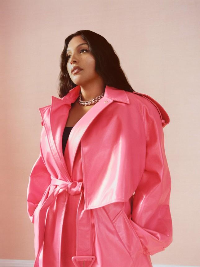 Sắc vóc nóng bỏng của người mẫu ngoại cỡ Paloma Elsesser ảnh 5