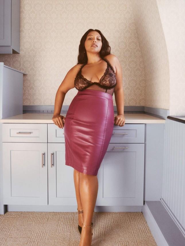 Sắc vóc nóng bỏng của người mẫu ngoại cỡ Paloma Elsesser ảnh 6