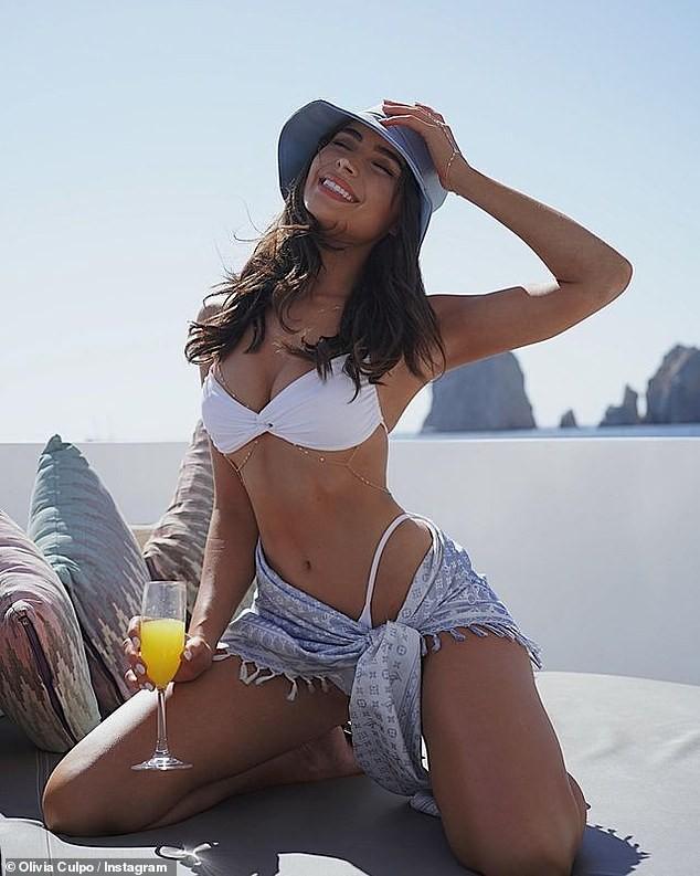 Hoa hậu Hoàn vũ Olivia Culpo tung ảnh bikini quá đỗi gợi cảm ảnh 1