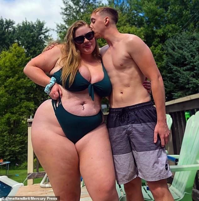 Sau nhiều thất bại, cô gái 23 tuổi nặng gần 120kg có người yêu nặng bằng một nửa ảnh 1