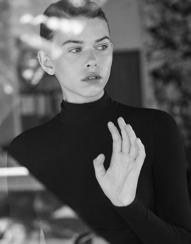 Georgia Fowler chụp ngực trần trên tạp chí, dáng đẹp như tạc tượng gây ngưỡng mộ ảnh 10