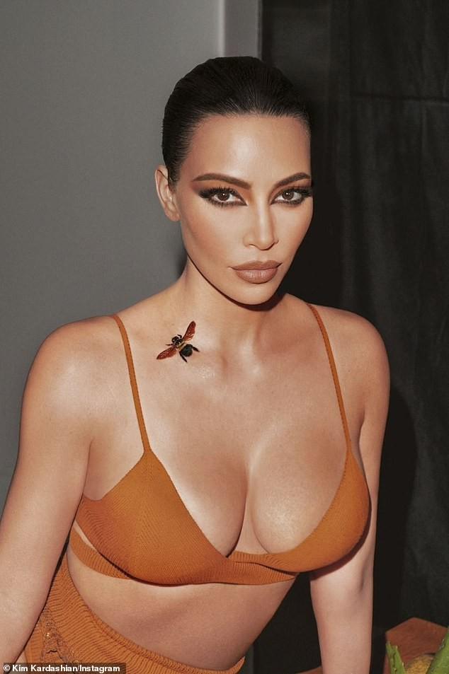 Kim Kardashian mặc nội y khoe đường cong nóng 'bỏng mắt' ảnh 8