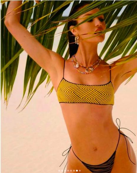 Candice Swanepoel khoe đường cong tuyệt mỹ trong bộ sưu tập áo tắm mới ảnh 9
