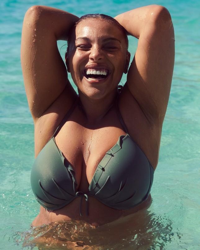 Dàn mẫu khoe vóc dáng nóng bỏng với bikini ảnh 1