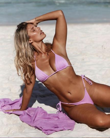 Mỹ nhân Úc trình diễn bikini phô đường cong 'nảy lửa' ảnh 4