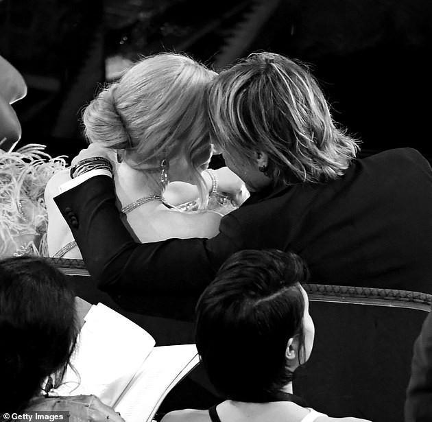 'Thiên nga nước Úc' Nicole Kidman xinh đẹp trẻ trung bất ngờ ở tuổi 54 ảnh 5