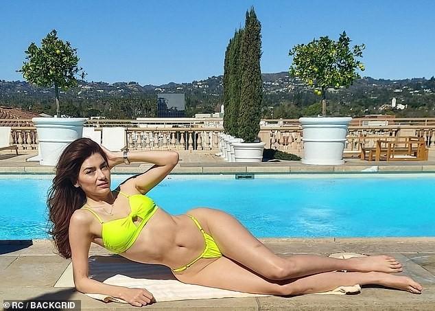 Mỹ nhân Hollywood tung ảnh bikini khoe đường cong 'rực lửa' ảnh 1