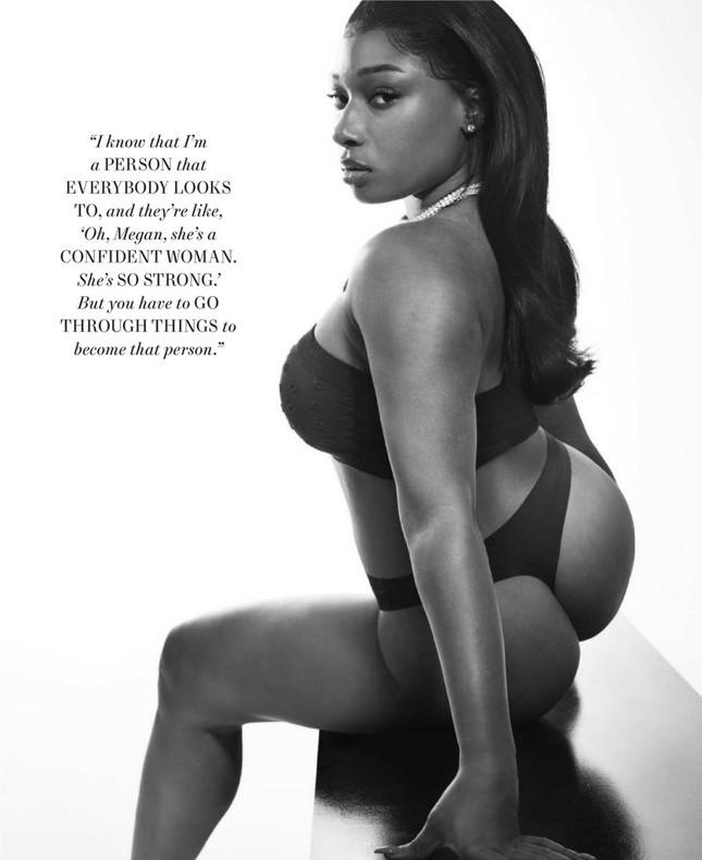 Megan Thee Stallion 'thả rông' táo bạo trên tạp chí ảnh 8