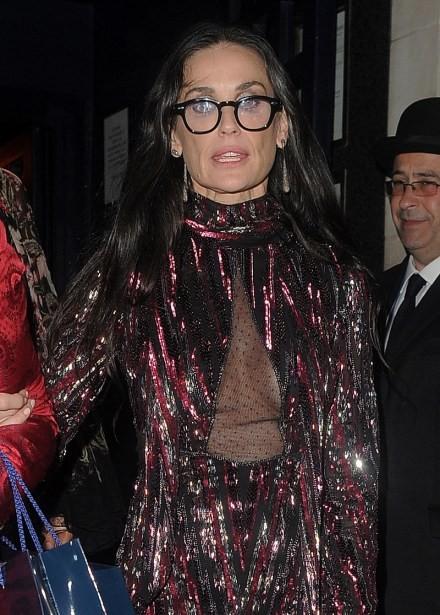 Demi Moore tung ảnh trẻ đẹp ngỡ ngàng ở tuổi 59 sau lộ gương mặt tượng sáp cứng đơ ảnh 6