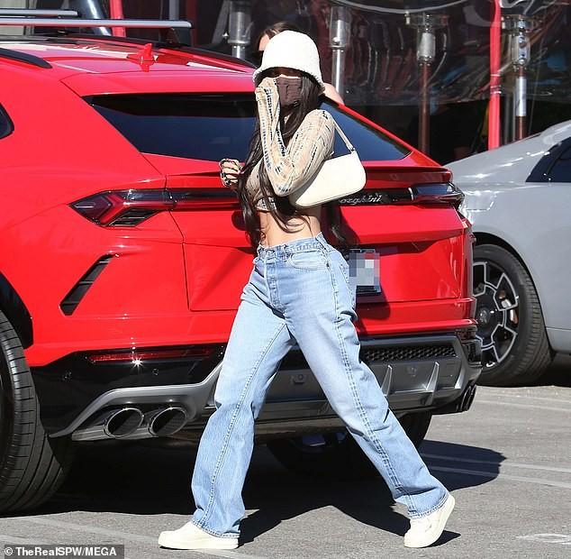 Em gái tỷ phú của Kim Kardashian tung ảnh nóng bỏng ảnh 5