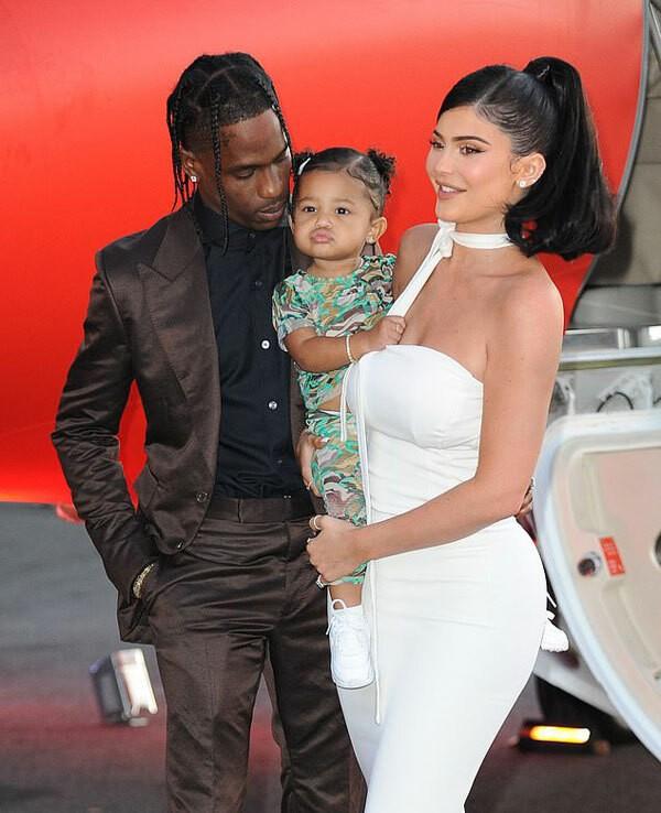 Em gái tỷ phú của Kim Kardashian tung ảnh nóng bỏng ảnh 11