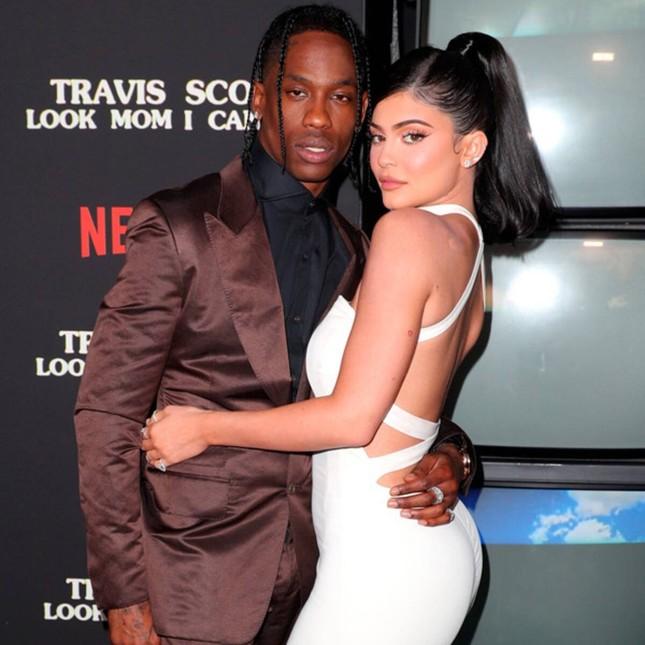 Em gái tỷ phú của Kim Kardashian tung ảnh nóng bỏng ảnh 10
