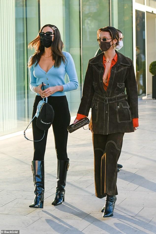Dàn siêu mẫu đình đám xuất hiện ở 'kinh đô thời trang', đẹp như fashionista trên phố ảnh 6