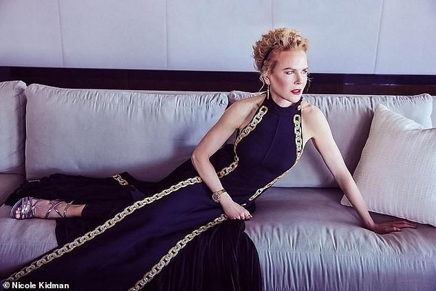 Nicole Kidman hiếm hoi khoe 2 con gái xinh đẹp tại Quả cầu Vàng ảnh 1