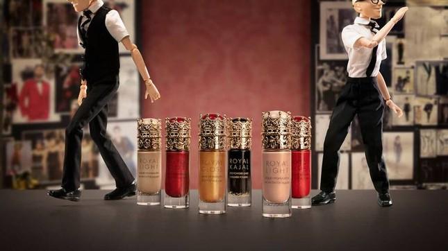 Chị em Kim Kardashian nóng bỏng 'rực lửa' trong show thời trang ảo của Dolce & Gabbana ảnh 15