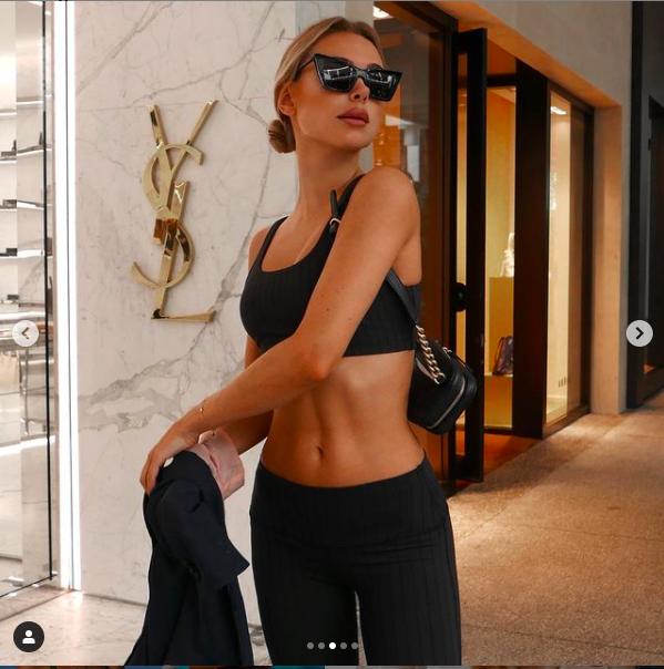 Mẫu áo tắm Kimberley Garner dáng đẹp như tạc tượng với bikini ảnh 7