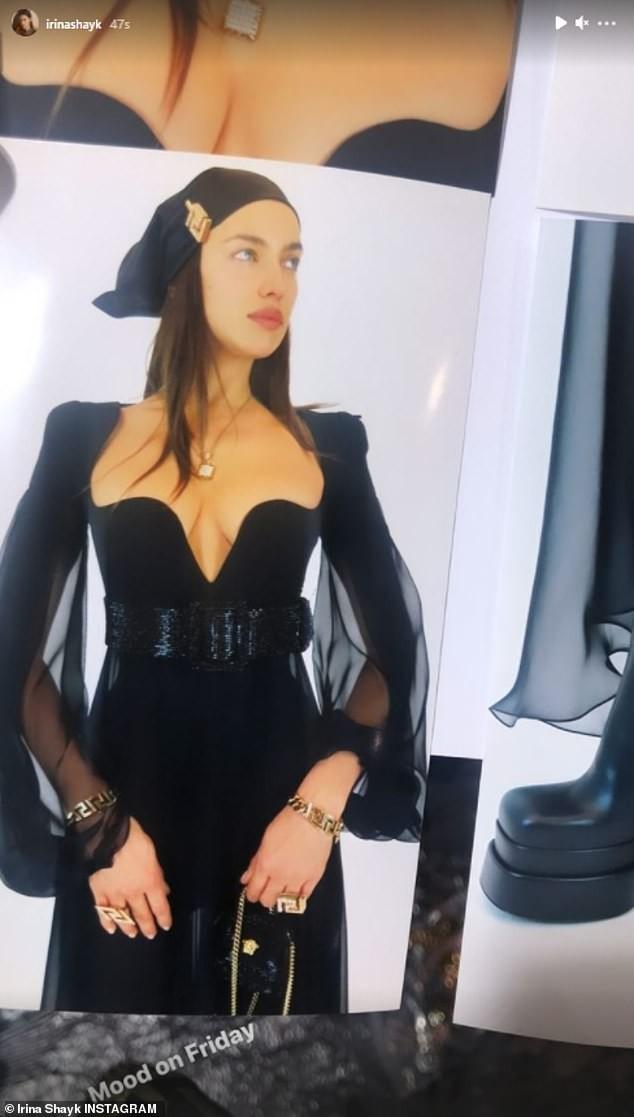 Siêu mẫu Nga Irina Shayk đẹp như nữ thần trên đường băng của Versace ảnh 3