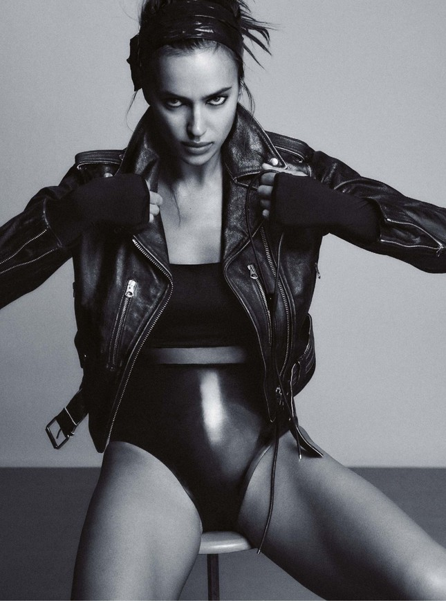 Siêu mẫu Nga Irina Shayk chụp ngực trần nóng 'bỏng mắt' ảnh 5