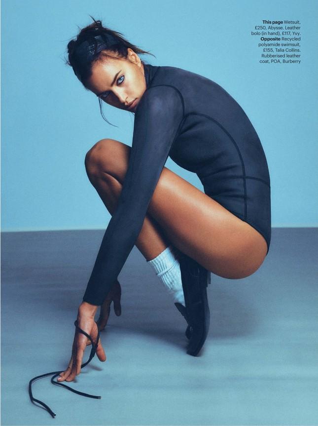 Siêu mẫu Nga Irina Shayk chụp ngực trần nóng 'bỏng mắt' ảnh 3