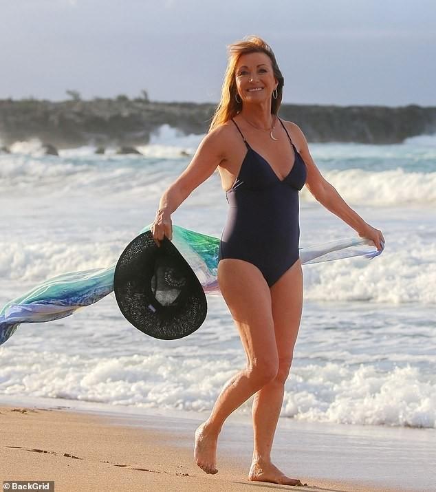 Nàng Bond Girl nóng bỏng một thời Jane Seymour tự tin diện áo tắm ở tuổi 70 ảnh 9
