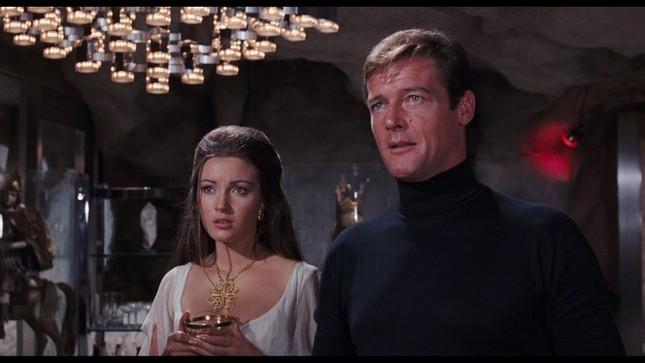 Nàng Bond Girl nóng bỏng một thời Jane Seymour tự tin diện áo tắm ở tuổi 70 ảnh 5