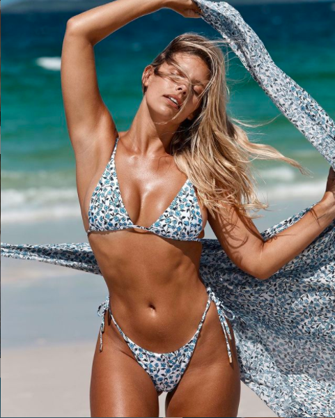 Chân dài 9x khoe body nóng bỏng có chỉ số 3 vòng 'vàng' với bikini ảnh 5