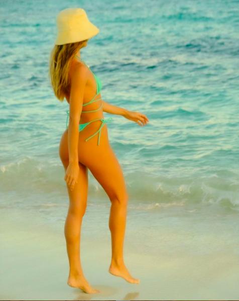 'Thiên thần nội y' Candice Swanepoel khoe đường cong đẹp đến ngỡ ngàng ảnh 3