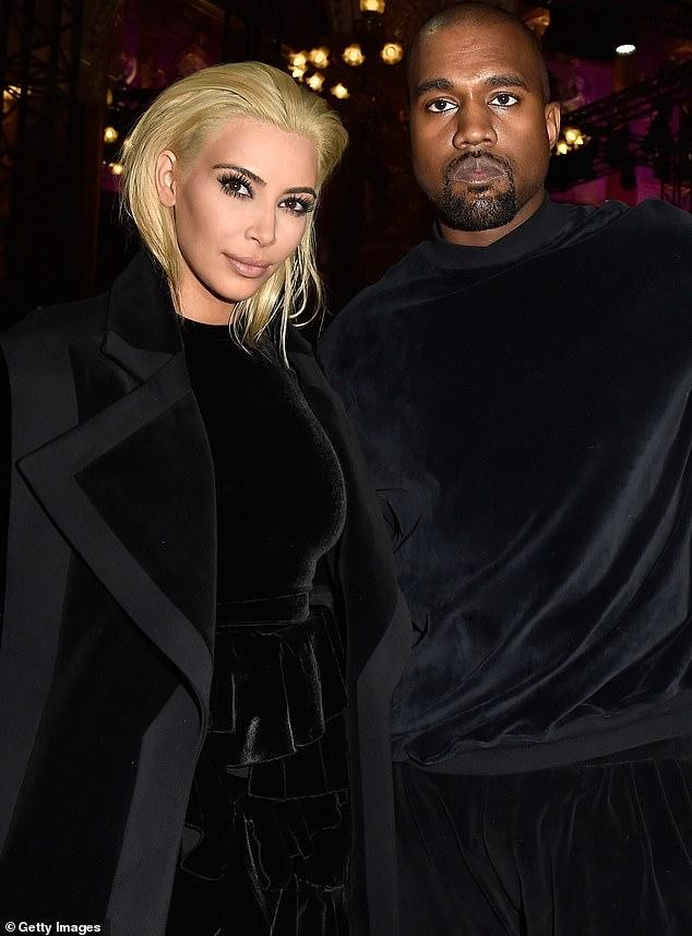 Kim Kardashian lại tung ảnh sexy sau khi thành tỷ phú USD ảnh 6