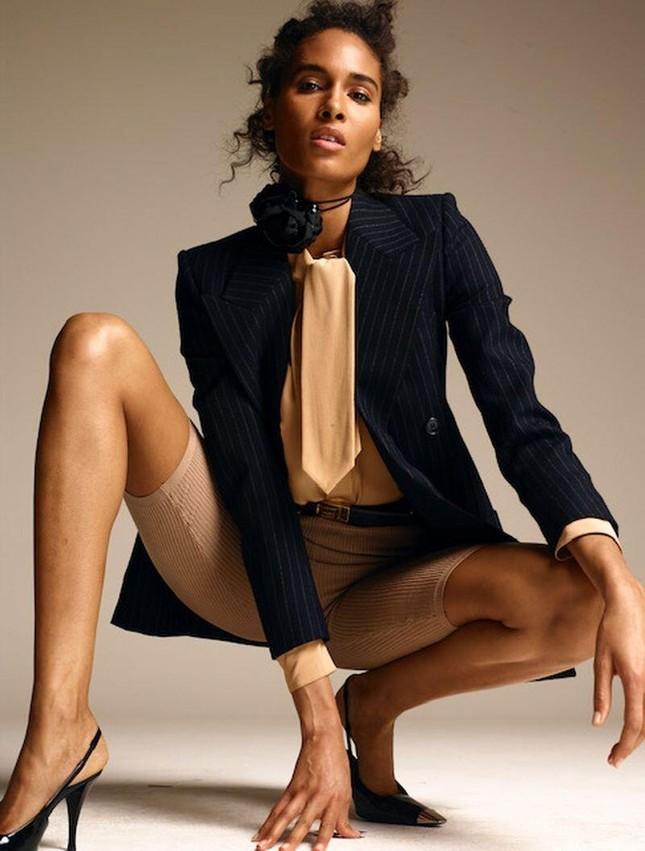 Siêu mẫu Cindy Bruna bán nude táo bạo ảnh 4